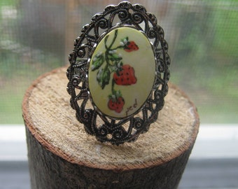 Vintage Silver Tone Ladies Adjustable Ring with Hand Painted Strawberry Patch Setting Fits Sizes 7 to 9