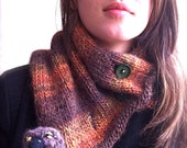 Tree-trunk Scarf with Bird by Post Street
