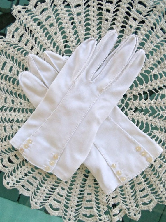 Vintage 60's White Dress Gloves with Tiny Button Accents