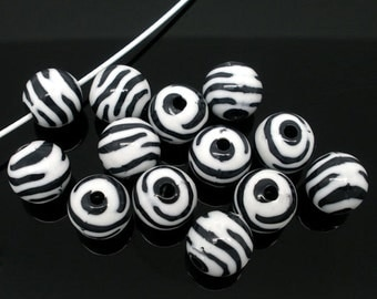 25 Striped Beads 11mm Black and White Striped Zebra Pattern - BD047