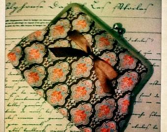 Clip frame clutch bag - Baroque