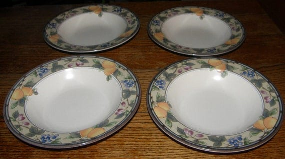 Mikasa Intaglio Garden Harvest Four 4 Rimmed Soup Bowls