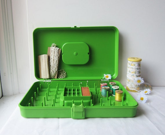 Vintage Sewing Box -Granny Green Wil-Hold Sewing Box