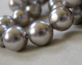 "Shell Pearls, Classic elegant Gray Round, 8mm diameter, full 16"" strand, 50 pearls"