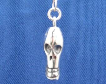 Silver skull pendant,