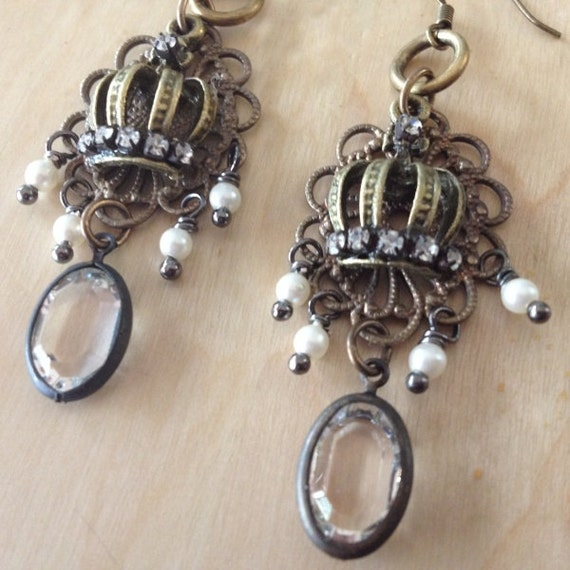 Fit for a Queen Vintage Earring Kit