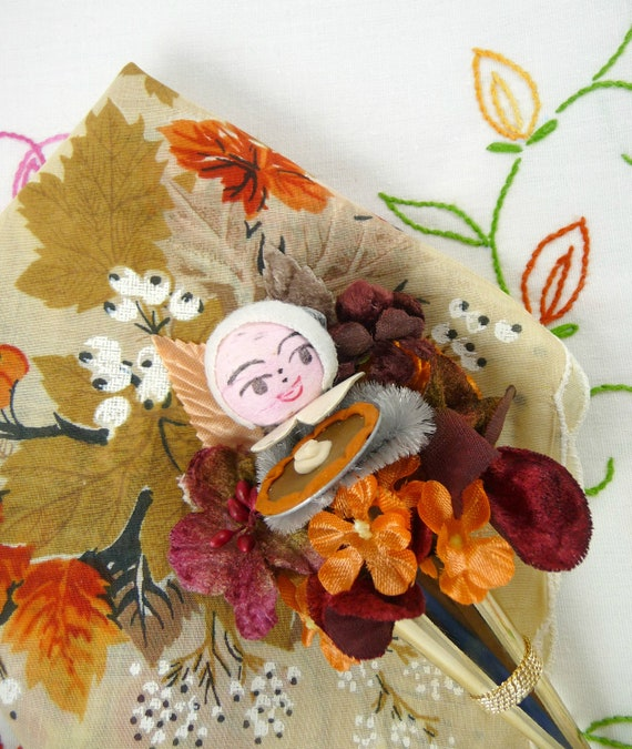 Thanksgiving Pilgrim Tussie Mussie Pin and Vintage Fall Leaves Hankie Gift Set Spun Cotton Pumpkin Pie Autumn