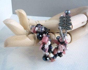 Semiprecious Stone Bead Crochet Bracelet Rose and Charcoal Freshwater Pearl Beaded Bracelet