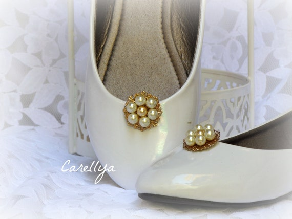 Wedding Shoe Clips Pearls Flower Cluster - Clip On Bridal Shoes, Vintage Wedding Accessories