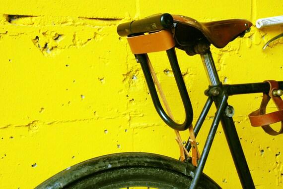 bicycle u lock holster brown leather. Black Bedroom Furniture Sets. Home Design Ideas