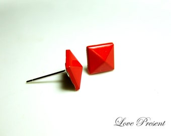 Supreme Rock N Roll and Punk Solid Pyramid earrings stud style - Color Red Hot