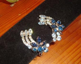 Spectacular JULIANA Shades of Blue Earrings - Ice BLUE & SAPPHIRE Blue Rhinestone Vintage Clip On Earrings - Mint