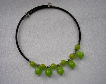 Modern classic style green jade stone cord necklace