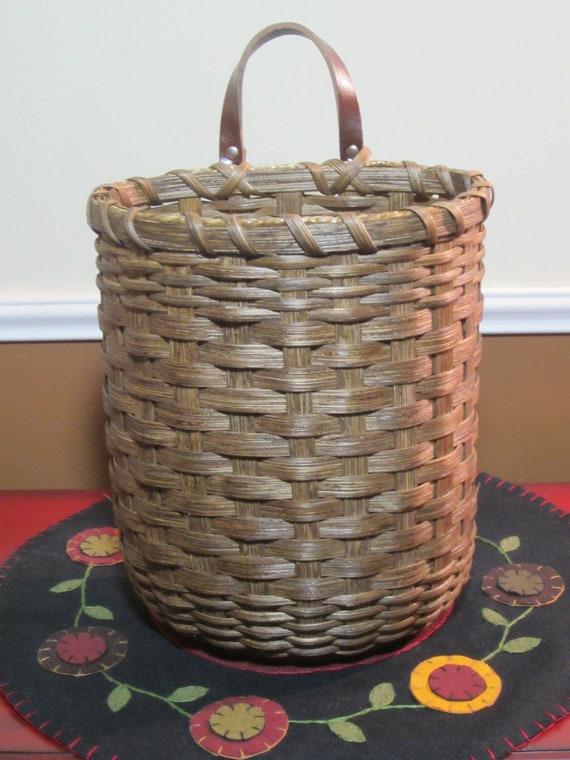 wall basket mail basket handwoven basket. Black Bedroom Furniture Sets. Home Design Ideas
