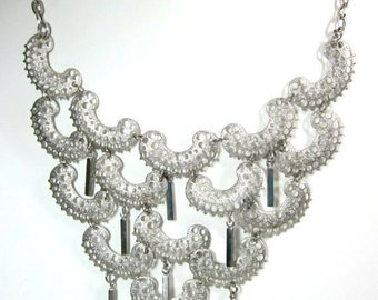 """Vintage Sarah Coventry  """"CHARISMA"""" Silver Tone Necklace"""