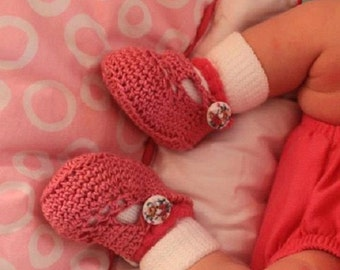 Crocheted Double Button Dainty Infant Baby Girl Crib Shoes Booties
