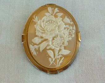 Floral Cameo Scarf Clip Peachy Pink White Molded Flower Vintage Jewelry
