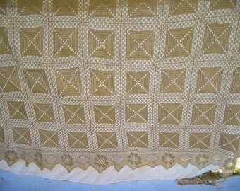 Vintage Crochet Bedspread Coverlet Bed Cover in Ecru