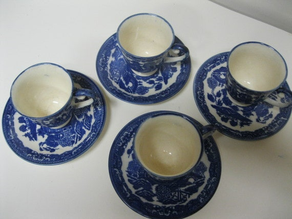 Japan Blue Willow Love Story Demitasse Cups & Saucers Set of Four Vintage Collectible Great Condition to Use and Display in Home Collection