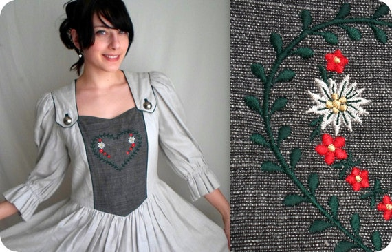 Gray German Dirndl Dress with Poufy Sleeves & Pockets