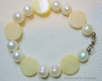 Freshwater Pearl and Yellow Jade Bracelet