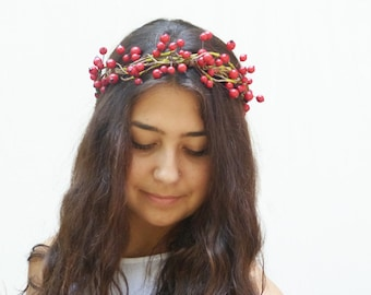 Red Berry Crown - Winter Wedding, Berry Crown, Flower Girl, Headpiece, Winter Wedding, Bridal Headband, Woodland Wedding, Holly Berry