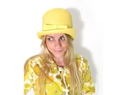 CLEARANCE 35% OFF. 1960s Bright Yellow Woven Straw Bucket Hat.