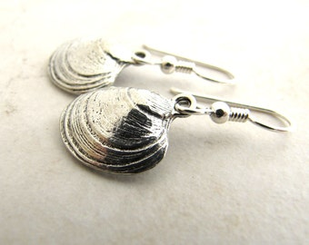 Clam Earrings Sea Shell Seashell Quahog Sterling Silver and Pewter Charm Earrings BellinaCreations Bellina Creation