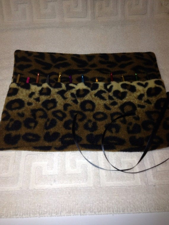 Crochet Hook Case Organizer Holder Holds 12 Needles Fleece Cheetah Print  Keeps all your needles together