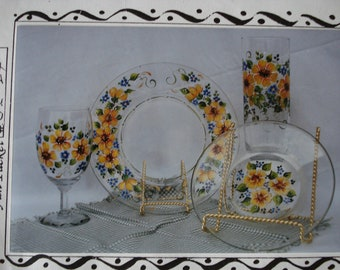Pattern Packet: Black Eyed Susans on Glass by Carol Mays
