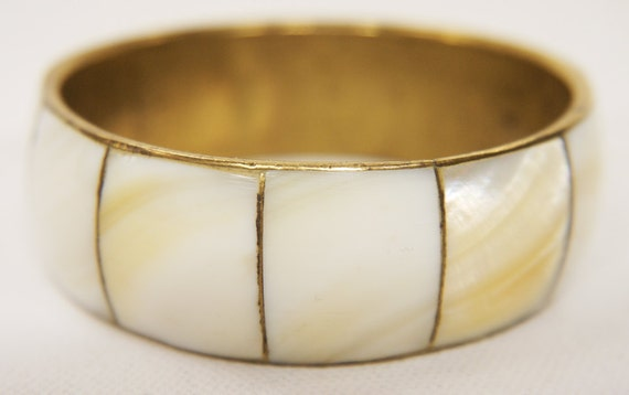 Vintage Bracelet Art Deco 1930/40s Mother of Pearl and Brass Bangle