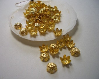 Bead caps 8mm, nice gold plated caps, filigree, gold plated, flower, caps, 8mm bead caps, gold, golden, 8mm findings, 4mm x 8mm bead caps
