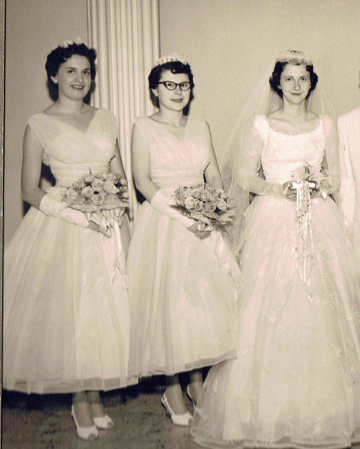 1950s Wedding: Vintage 1950s Wedding Photograph Portrait Of Bridal Party From