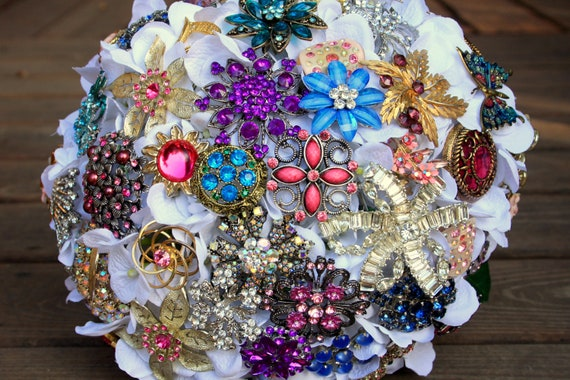 Final Listing for Becky brooch bouquet