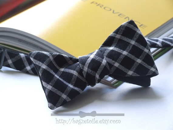 Mens Bow Tie, black and white fabric with black linen on reverse, self tie, freestyle for men.