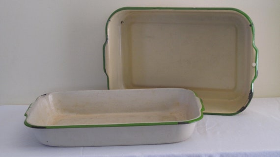 Vintage Large Enamel Ware Cream and Green Roasting Pans - Set of 2, ca 1930s