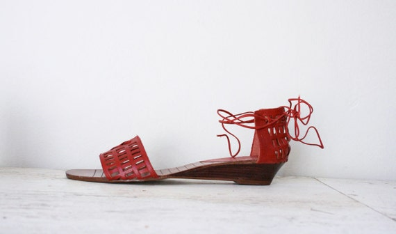 Vtg 70's Red Leather Cutout Ankle Tie Wedge Sandals 10