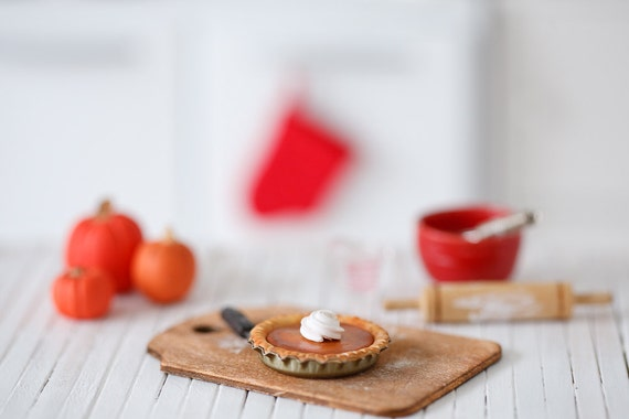 Playscale Pumpkin Pie with Whipped Cream