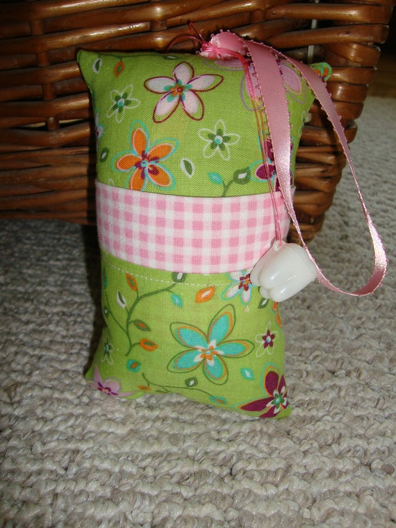 Tooth Fairy Pillow with tooth holder: Flowers