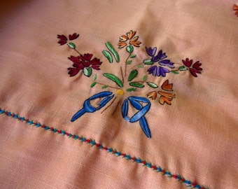 Vintage Tablecloth Embroidery Floral Linen Tablecloth with Matching Napkins 1950s