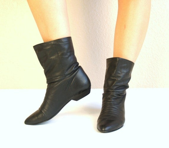 vtg 80s black leather cuff slouchy pixie boots flat 8 ankle