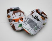 Organic Cotton Baby Shoes- Eco Friendly Unisex Fox, Deer, Wolf and other animals  0 3 6 12 18 months - Baby Clothes Gift for Baby
