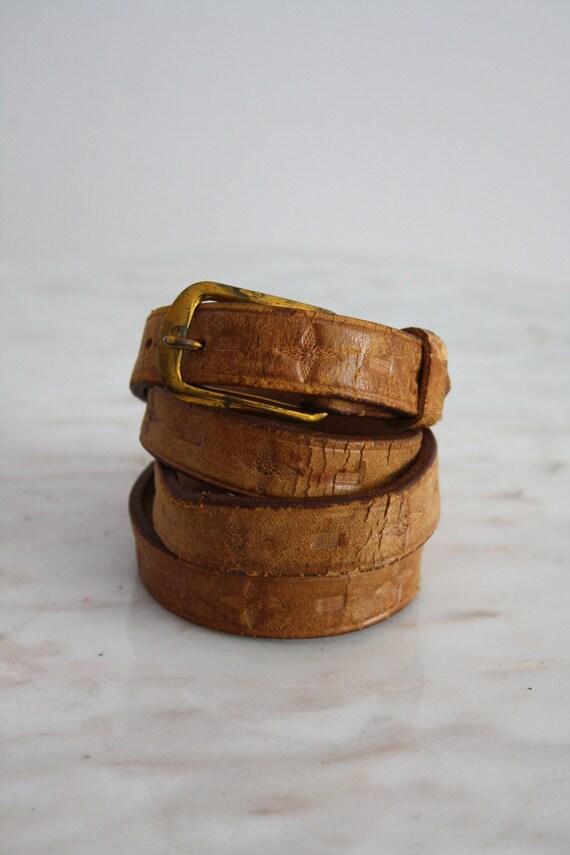 SKINNY Leather Belt - Brown Light Tan Brass Stamped - Women's XS S M - 1960s VINTAGE