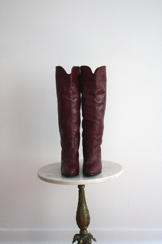 Tall Boots RED Leather - Burgundy Knee-High Campus High Heeled - Women's 7.5 - 1980s VINTAGE