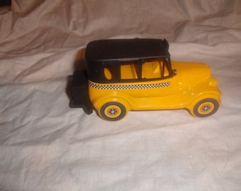 vintage avon perfume bottle 1926 checker cab wild country after shave full