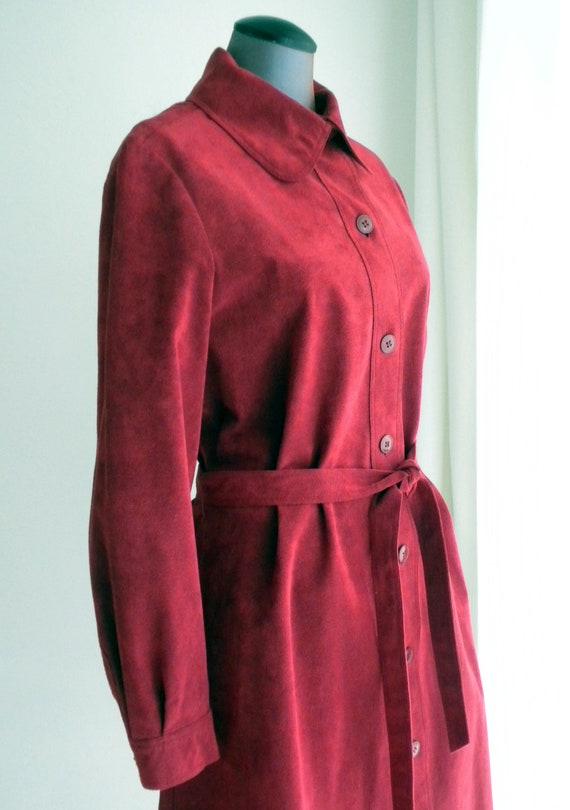 70s Cranberry Red Ultrasuede Dress / Belted Shirtwaist Dress  / Size 12  / Jerry Silverman by Shannon Rogers