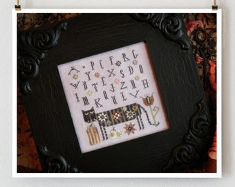Olga The Cat counted cross stitch pattern : Plum Street Samplers cat kitty