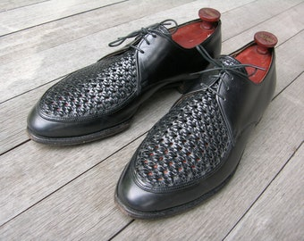Spectacular vintage 1950's 'Ventilated' Norwegian blucher shoes. Woven leather top panel. Bootmaker's Guild by Freeman. US Men's 11 D