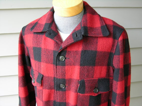 vintage 1950's Men's Hunting jacket w/ game pouch. Melton Buffalo plaid. Bluenose Garments - Amherst, Nova Scotia. Size 42