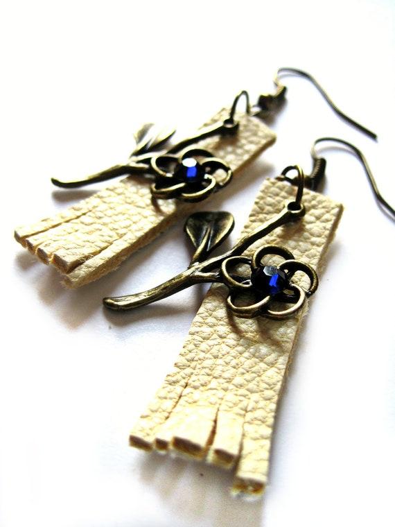 Fringe earrings - White, cream, leather earrings - Flower earrings - Blue crystals, Swarovski crytals - Simple, elegant, boho chic